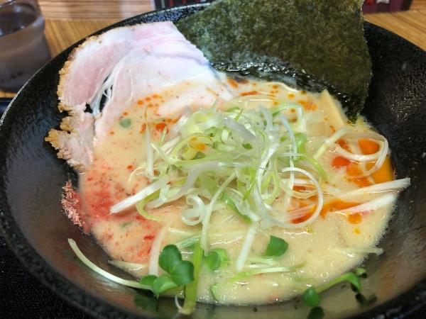 海老白湯麺