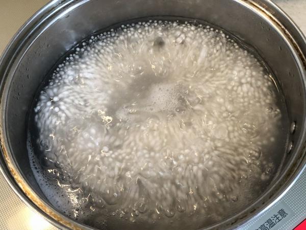 タピオカを煮る