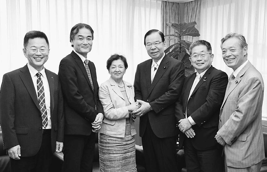 嘉田新参院議員が党本部訪問