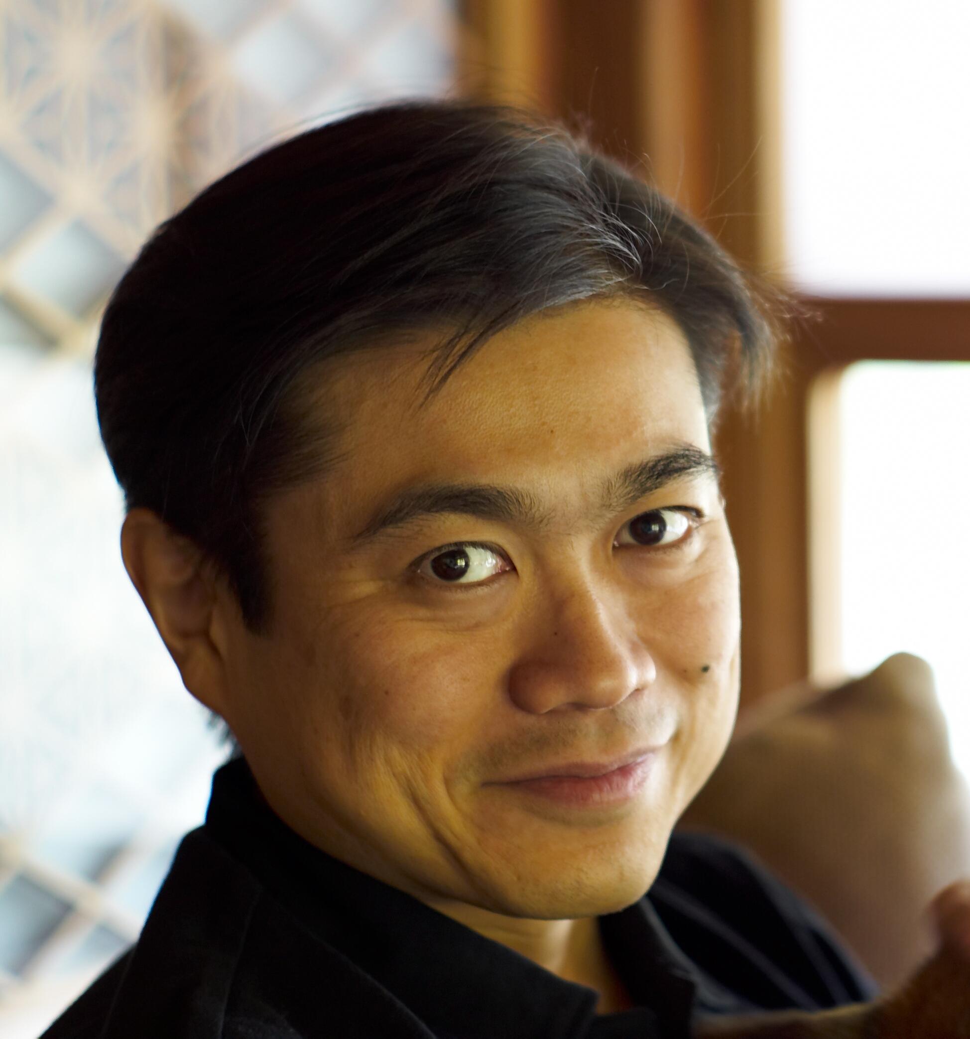 Joichi_Ito_Headshot_2007.jpg