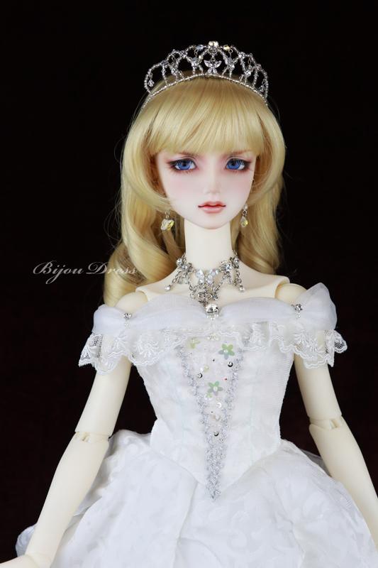 HTD名古屋7 16SD 白のドレープドレス