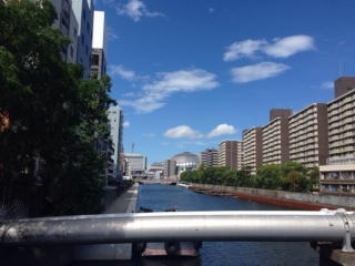 汗だくで桜川