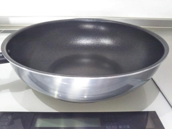 超軽~い炒め鍋すべすべ谷口金属工業 (3)