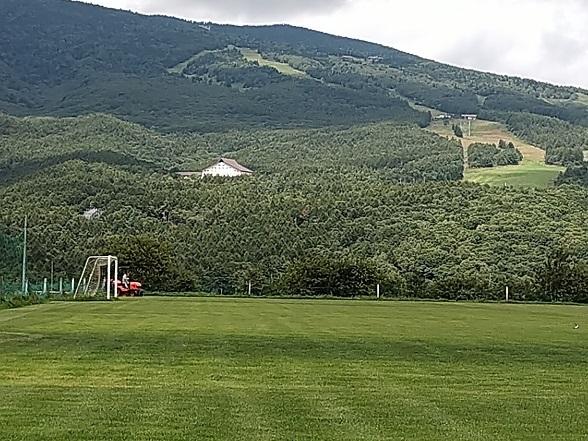 サッカーグランド 草刈り