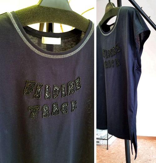 ネイビーキラロゴTシャツ3
