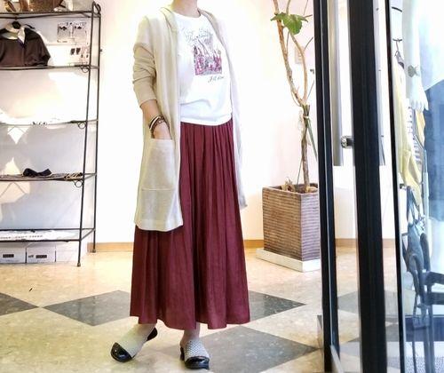 バーガンディスカート1