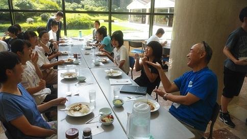 2日目 昼食事①