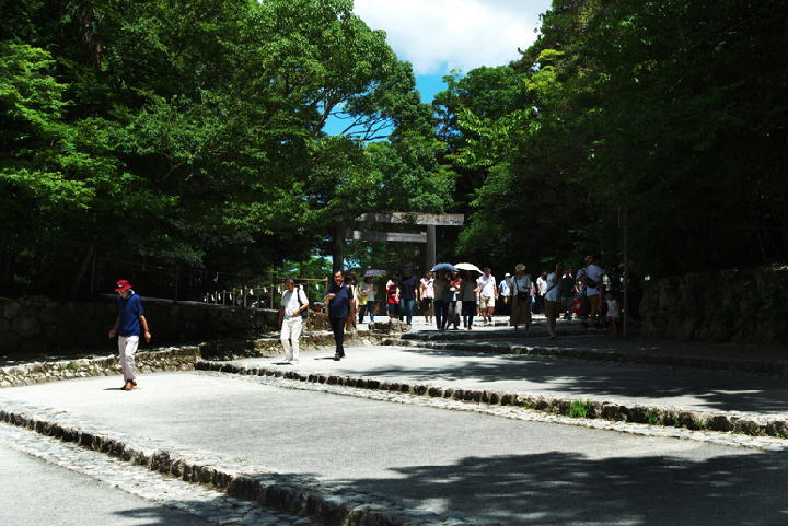 五十鈴川への階段-196