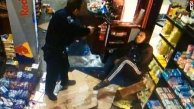 【衝撃!】NFLのマリク・マクダウェルが警察と戦う・・・