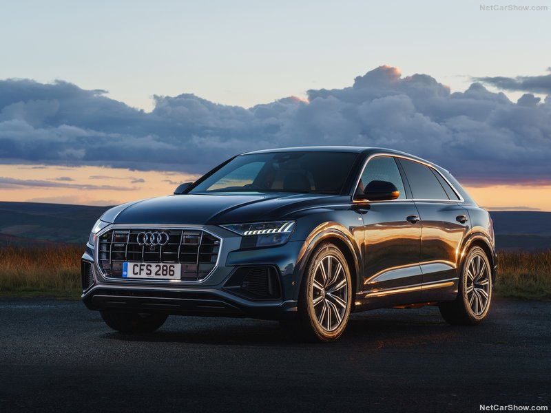 Audi-Q8_UK-Version-2019-800-02.jpg