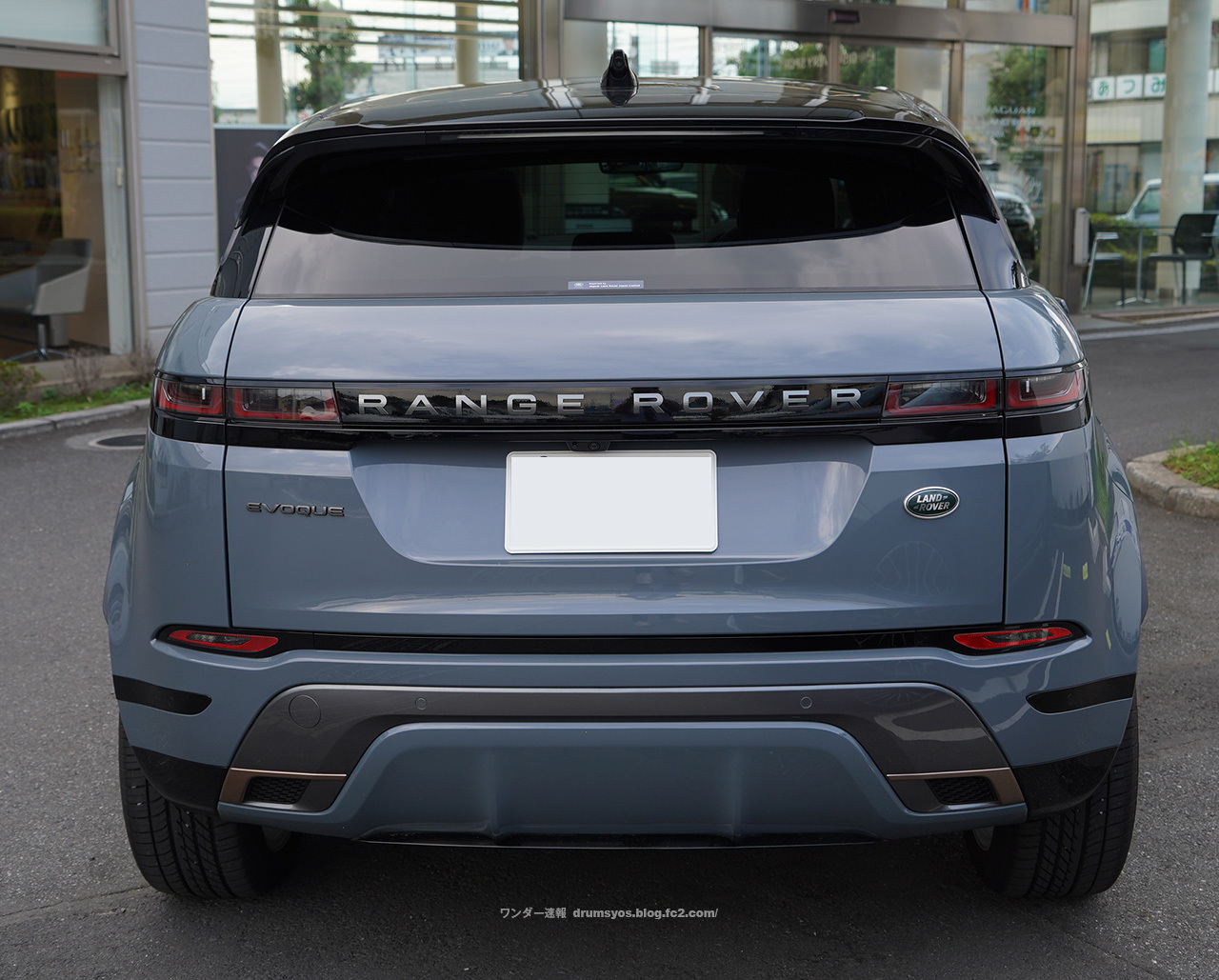 RANGELOVEREVOQUE06.jpg