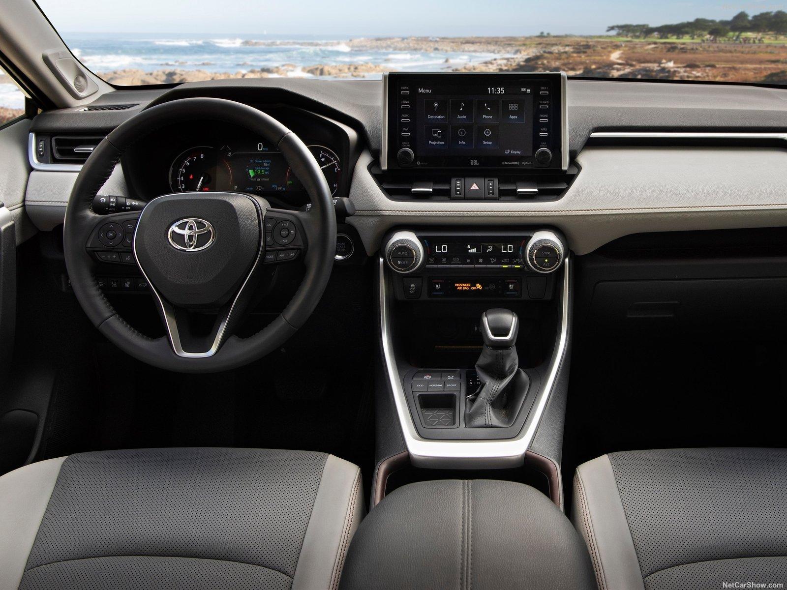 Toyota-RAV4-2019-1600-31.jpg