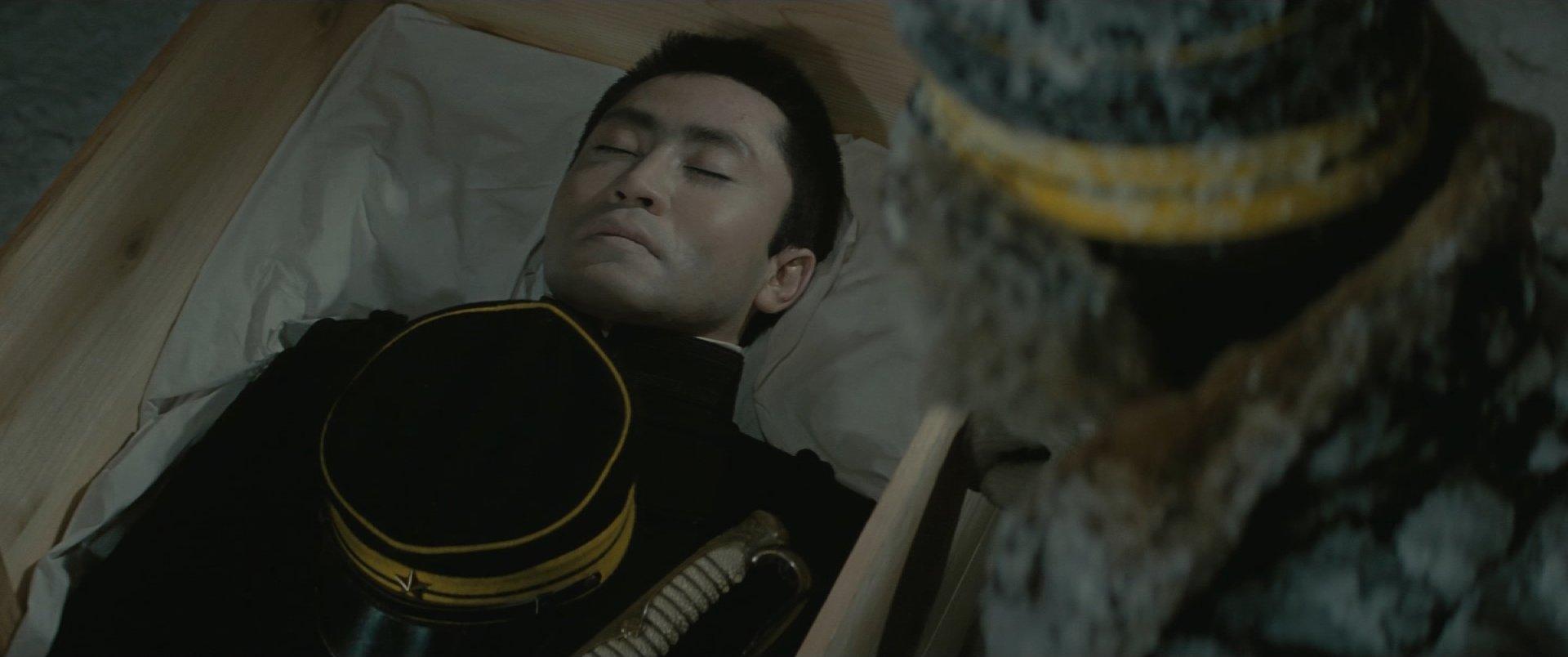 『八甲田山』棺の中