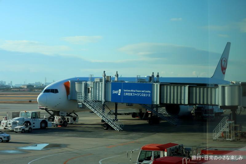 伊丹空港 B777-300