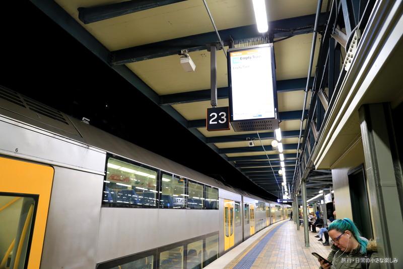 シドニー空港 電車