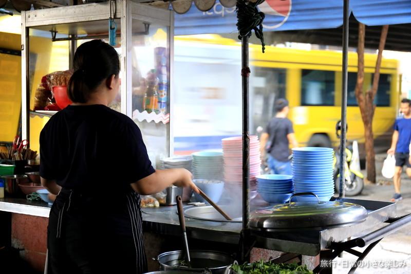タイ ローカルフード 朝食 おすすめ