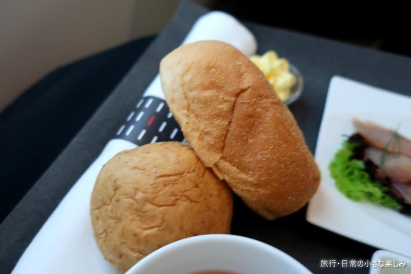 JAL JL746 ビジネスクラス 機内食 マニラ