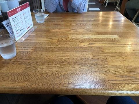 やびなテーブル