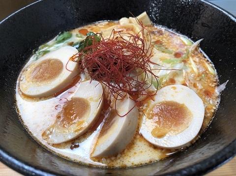 白ゴマ担々麺