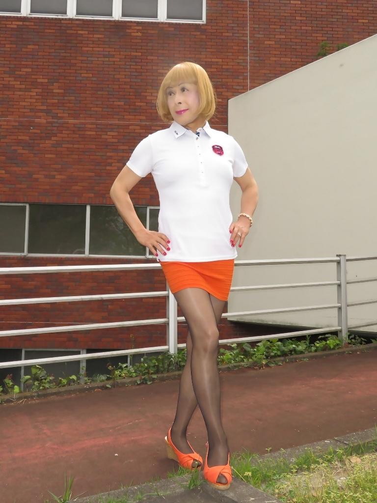 白ポロシャツ橙マイクロミニA(6)