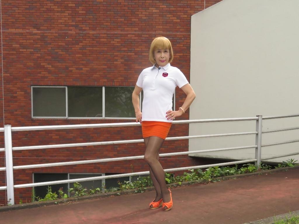 白ポロシャツ橙マイクロミニA(8)