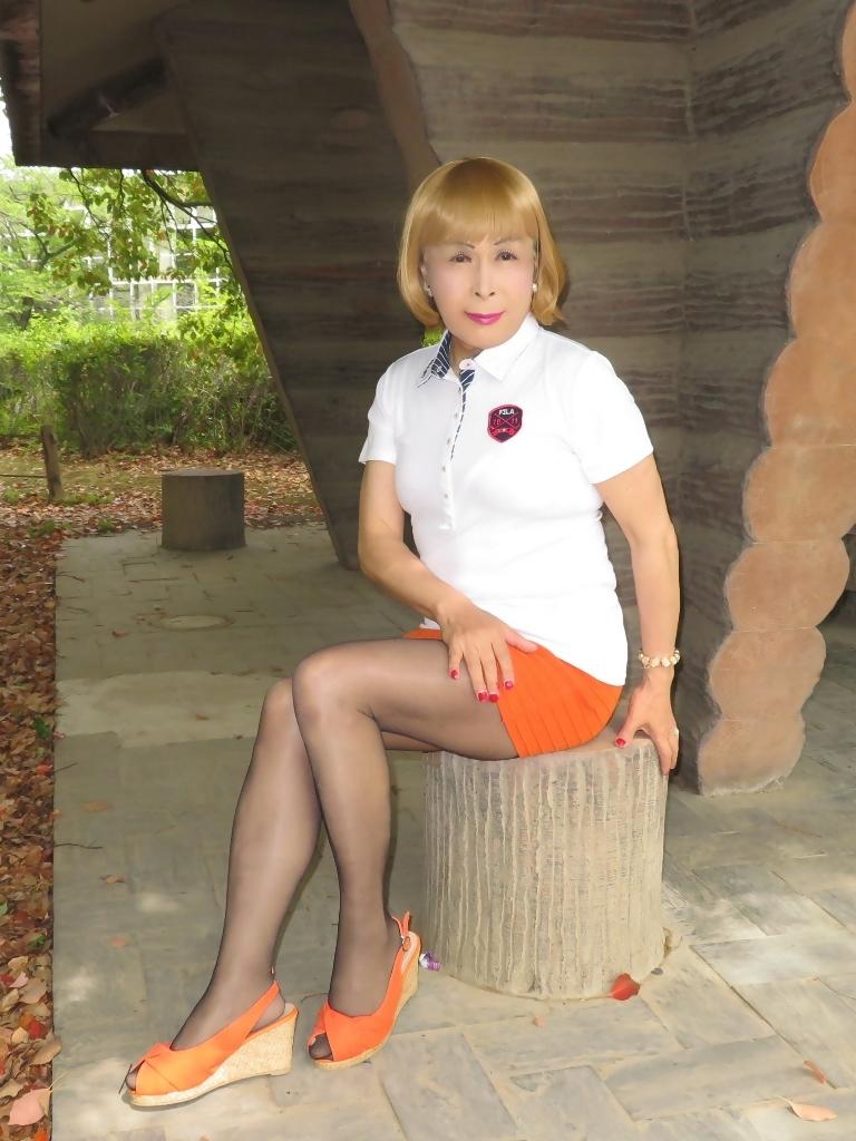 白ポロシャツ橙マイクロミニE(5)