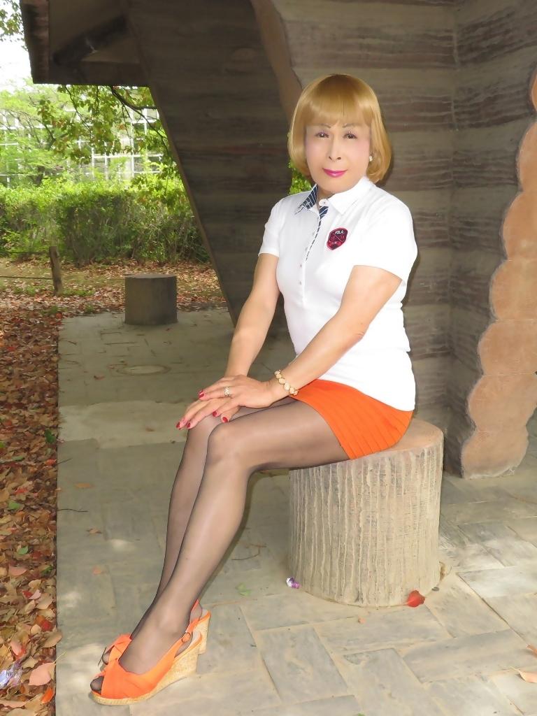 白ポロシャツ橙マイクロミニE(6)