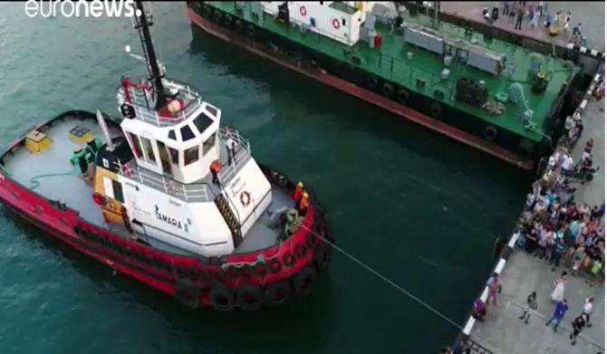 船を引く人-13