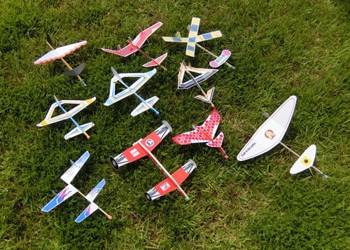今月のお題は、「変な先尾翼機」
