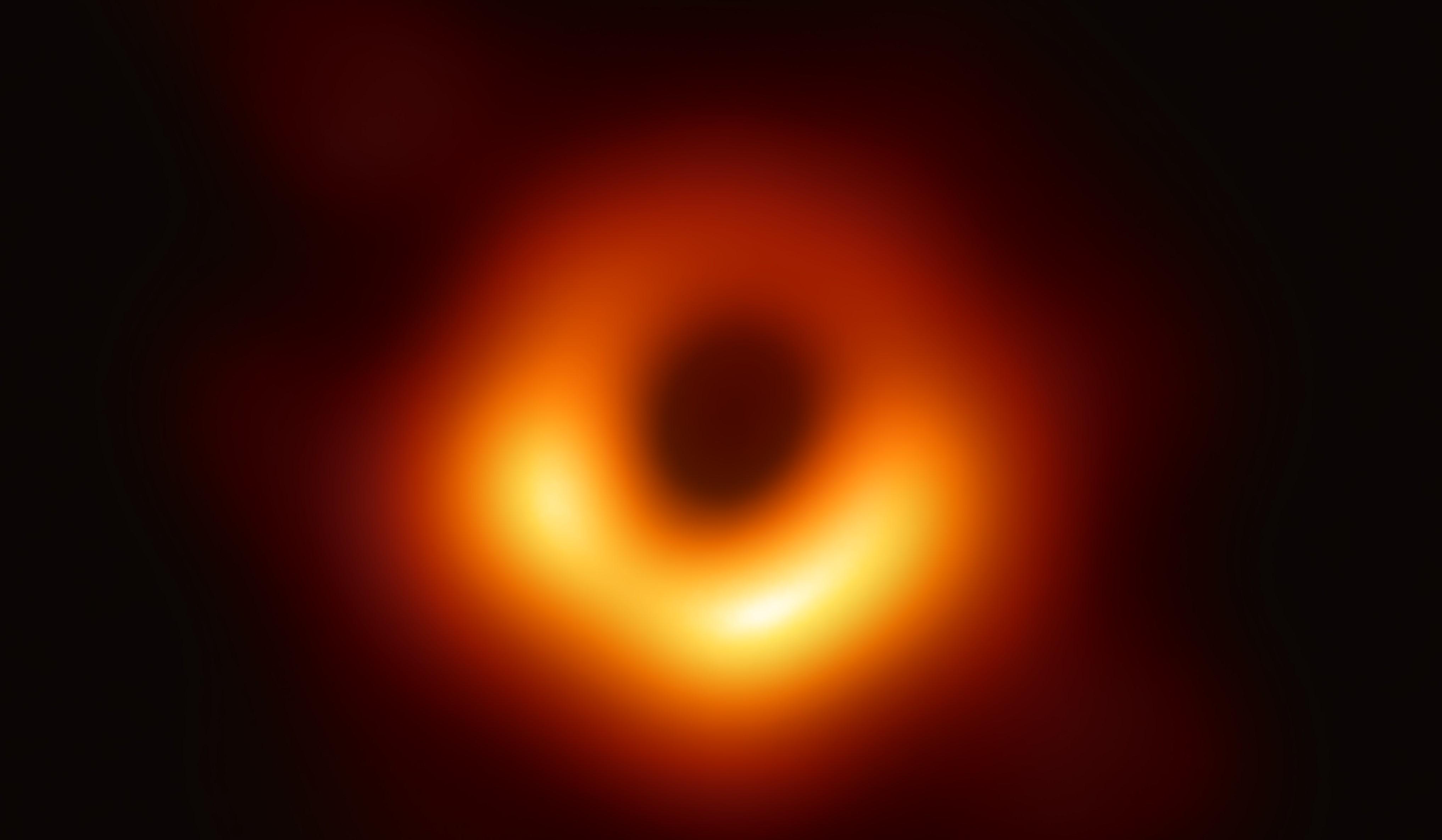 おとめ座M87ブラックホール