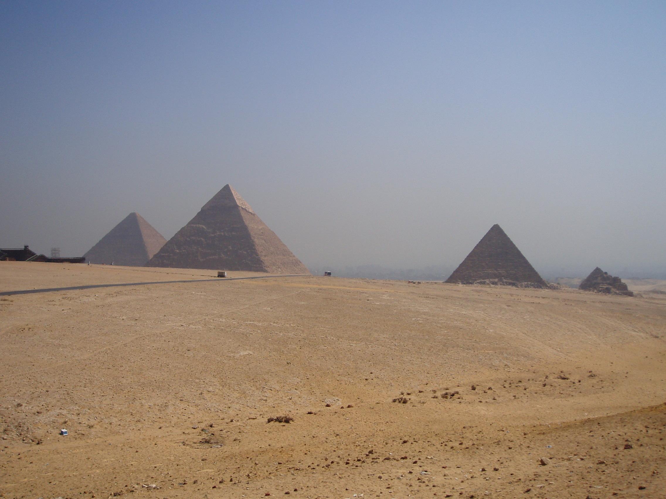 2005年9月25日・エジプト・ギザ三大ピラミッド