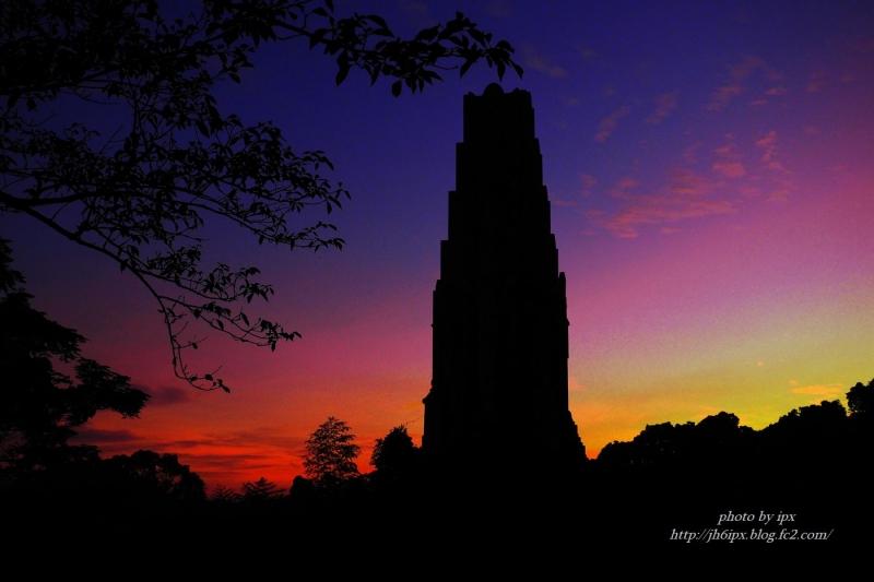 夕暮れの塔(blog)
