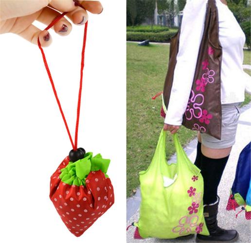 Onsejpの持ち運びが楽な買い物袋を折りたたんで出来た苺と使用例