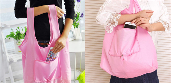 TAUWELLの持ち運びが楽な買い物袋の持ち方例