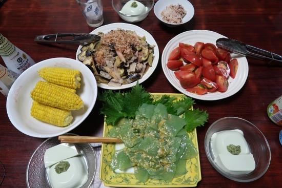 豚肉と茄子の塩だれ炒め、冷しトマト、刺身こんにゃく、枝豆豆腐