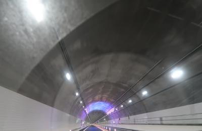 中部横断道 トンネル