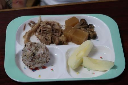 マゴラのお昼ごはん