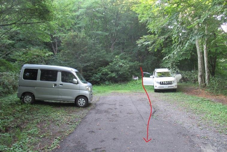 先の駐車場
