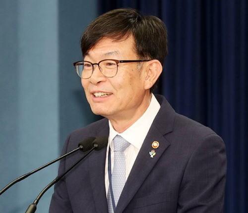 [韓国の反応]金尚祖大統領府政策室長、野党に協力呼びかけ「とうとう味方からも文在寅の無能のせいだと思われ始めたのか」