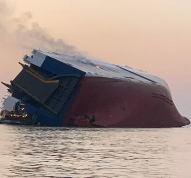 [韓国の反応]米国沖で転覆した現代自動車4千台載せた韓国船、トヨタ車6千台を積んだ日本船を避けようとして事故「日本のせいで起こったのなら必ず賠償させなければいけないが、彼らが罪を認めるだろうか?」