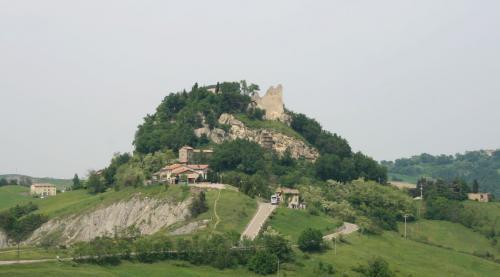 Castello_di_Canossa_convert_20190628132420.jpg