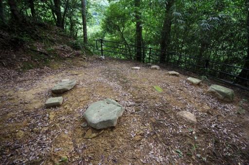 岩龍寺の熊野権現堂の跡