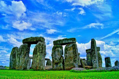 stonehenge-101801_960_720.jpg