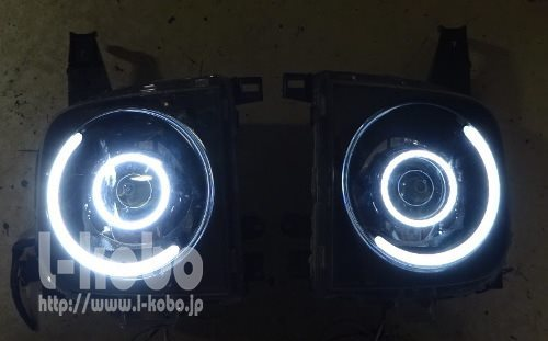Z11キューブのヘッドライト2