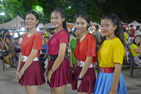 チェンライのラムウォン娘