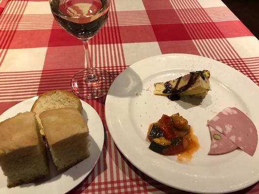 前菜とパン