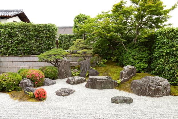 興臨院庭園・全景