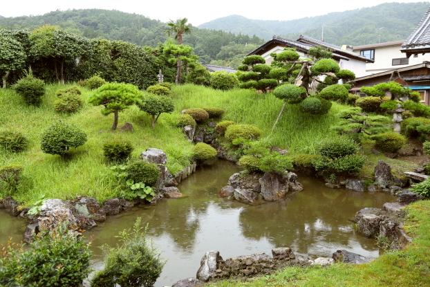 浄信寺庭園・東部景観