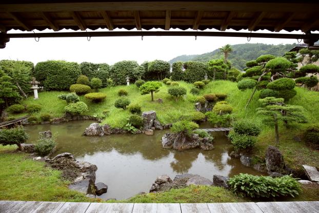 浄信寺庭園・全景