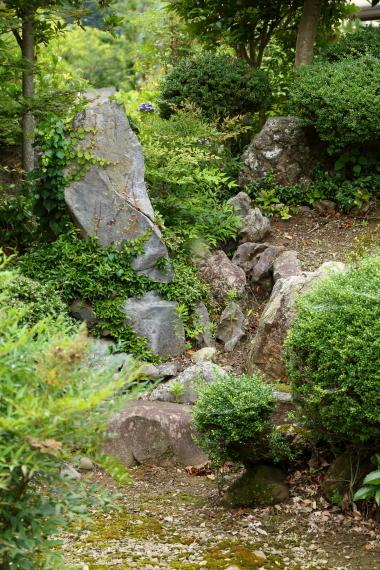 理覚院庭園・枯滝石組
